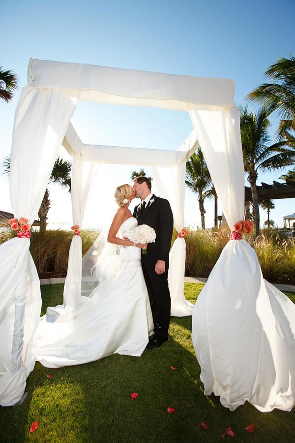 Coral Sarasota Ritz Carlton Beach Club Wedding - Sarasota Wedding Photographer Carrie Wildes Photography (16)