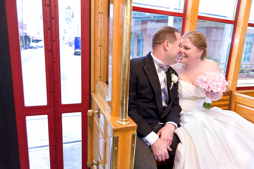 Navy & Pink Tampa Destination Wedding - The Florida Aquarium by Aaron Bornfleth Photographer (13)