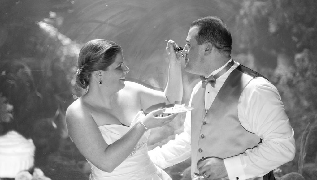 Navy & Pink Tampa Destination Wedding - The Florida Aquarium by Aaron Bornfleth Photographer (31)