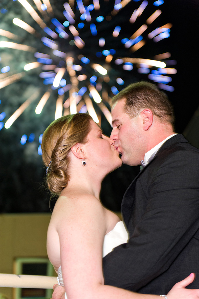 Navy & Pink Tampa Destination Wedding - The Florida Aquarium by Aaron Bornfleth Photographer (34)