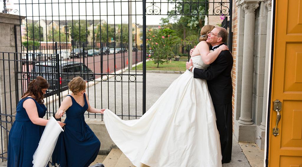 Navy & Pink Tampa Destination Wedding - The Florida Aquarium by Aaron Bornfleth Photographer (8)