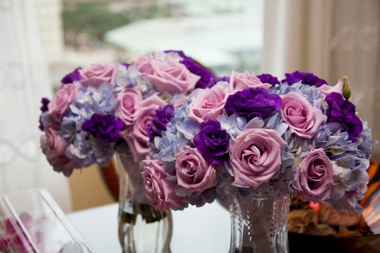 Elegant Purple & White Downtown Tampa Marriott Waterside Wedding by Tampa Wedding Photographer Eva's Photo Studio (2)