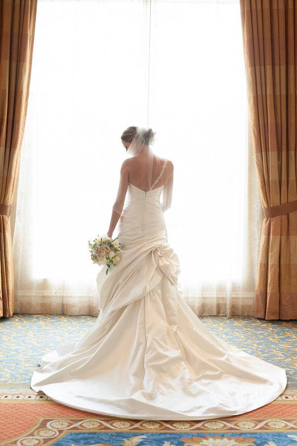 Pink & White Elegant Tampa Marriott Waterside Wedding - Kimberly Photography (9)