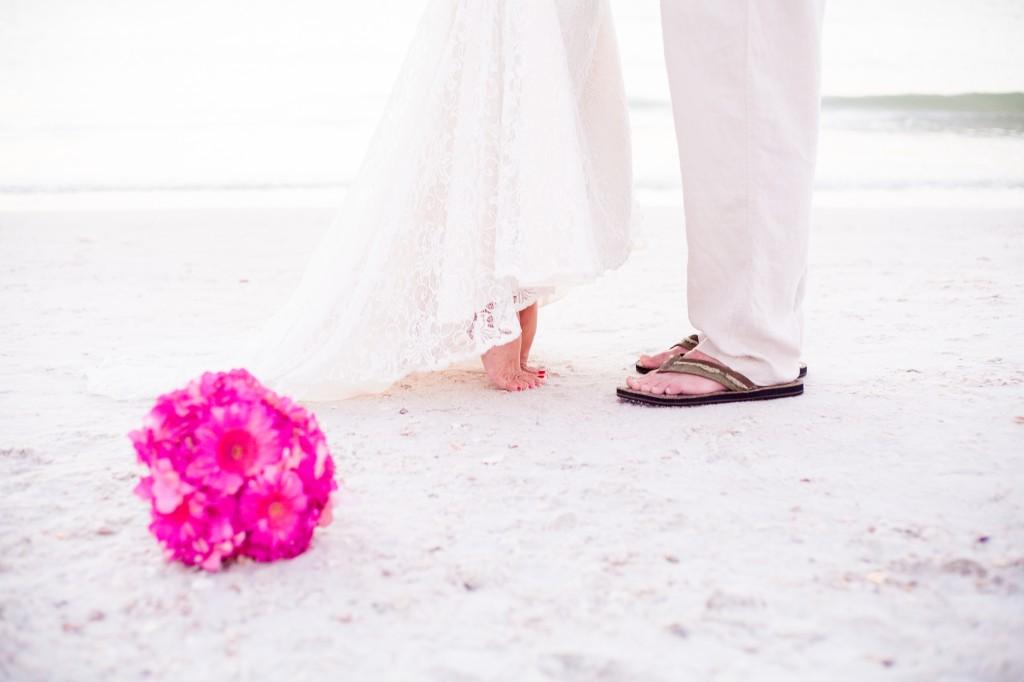 Fuchsia & Blue Destination St. Pete Beach Wedding - Paradise Grille - alt Photography (14)