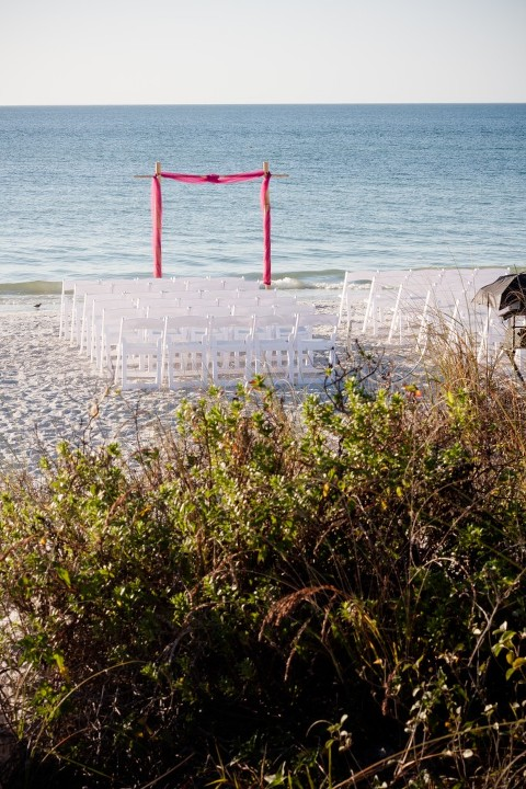 Fuchsia & Blue Destination St. Pete Beach Wedding - Paradise Grille - alt Photography (2)