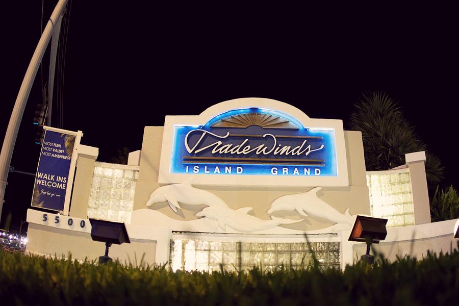 Magenta Florida Destination Beach Wedding - Tradewinds Island Resort - Reign 7 Studios (1)