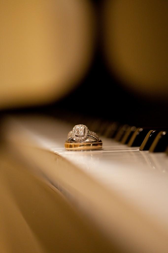 Gold & Garnet Downtown Tampa Wedding - The Tampa Club - Jerdan Photography (23)