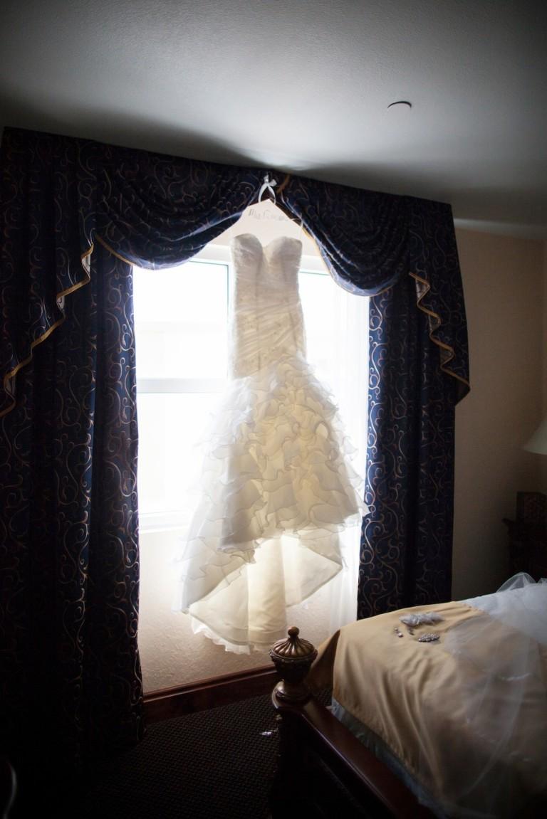 Elegant Black and White Downtown Tampa Wedding - Floridan Palace (4)