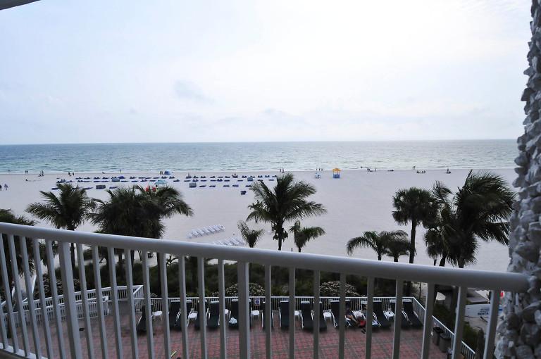 Modern South Beach Style Fuchsia & Royal Blue St. Pete Beach, FL Wedding - St. Petersburg Wedding Planner Kimberly Hensley Events (27)