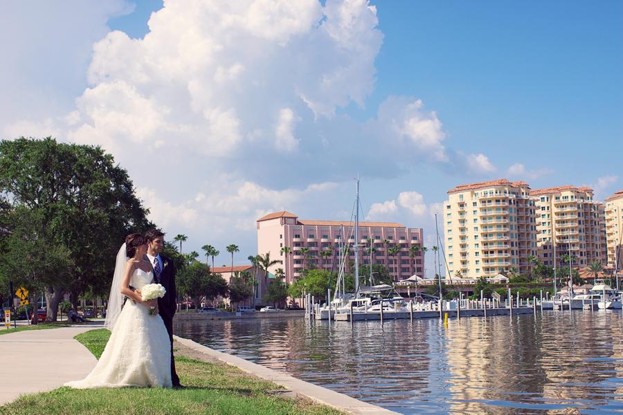 Destination St. Petersburg Wedding - Modern Wedding at NOVA 535 - St. Pete Wedding Photographer Reign 7 Photography (21)