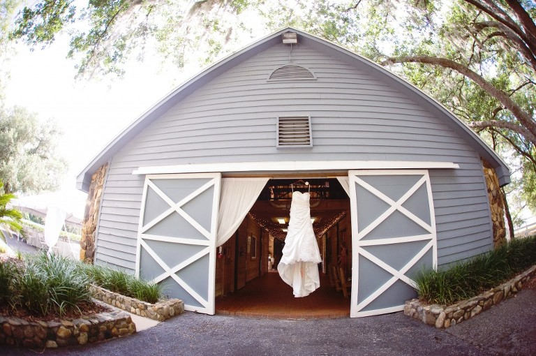 Rustic, Shabby-Chic DIY Lange Farm Wedding - Dade City Wedding Photographer Abbey Saxton Photography (2)
