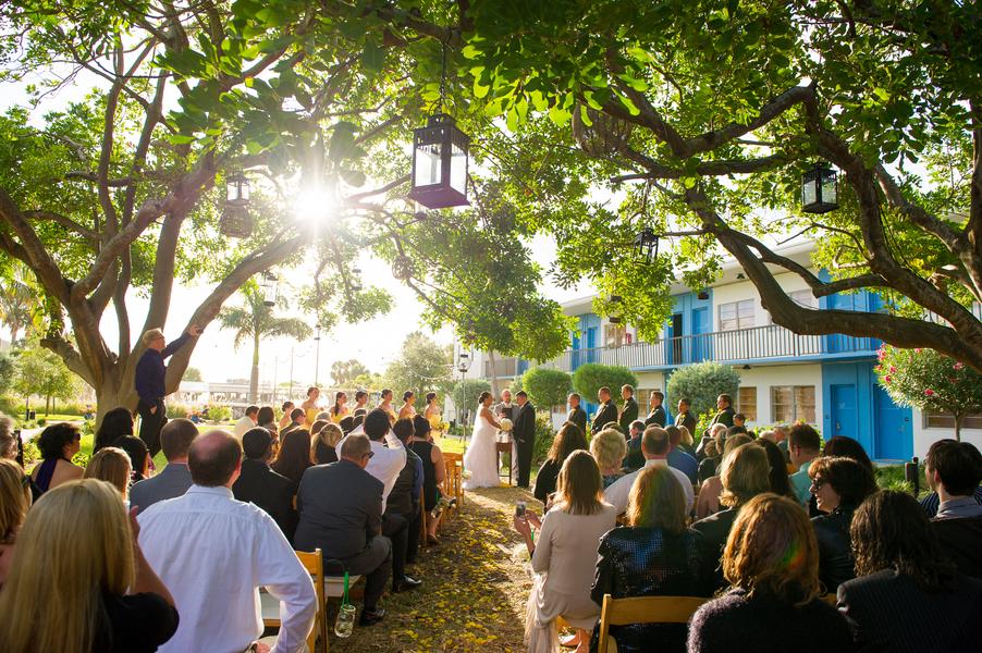 Green Yellow Clearwater Beach Postcard Inn Wedding Andi Diamond Photography