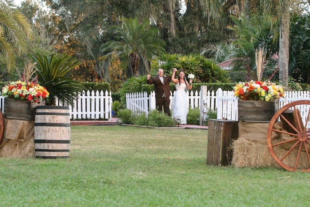 Orange Fall, Rustic Lakeland Wedding - Rocking H Ranch - Lakeland Wedding Photographer Torrie Fagan Studios (27)