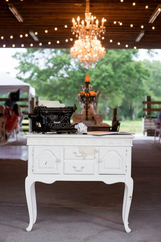 Beige and Cream Vintage Country Barn Wedding - Tampa Wedding Photographer Jeff Mason Photography (32)