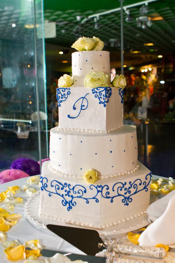 Cobalt Blue and Yellow Florida Aquarium Wedding - Tampa Wedding Photographer Horn Photography and Design (35)