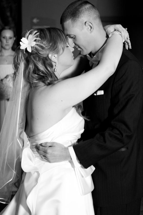 Cobalt Blue and Yellow Florida Aquarium Wedding - Tampa Wedding Photographer Horn Photography and Design (36)