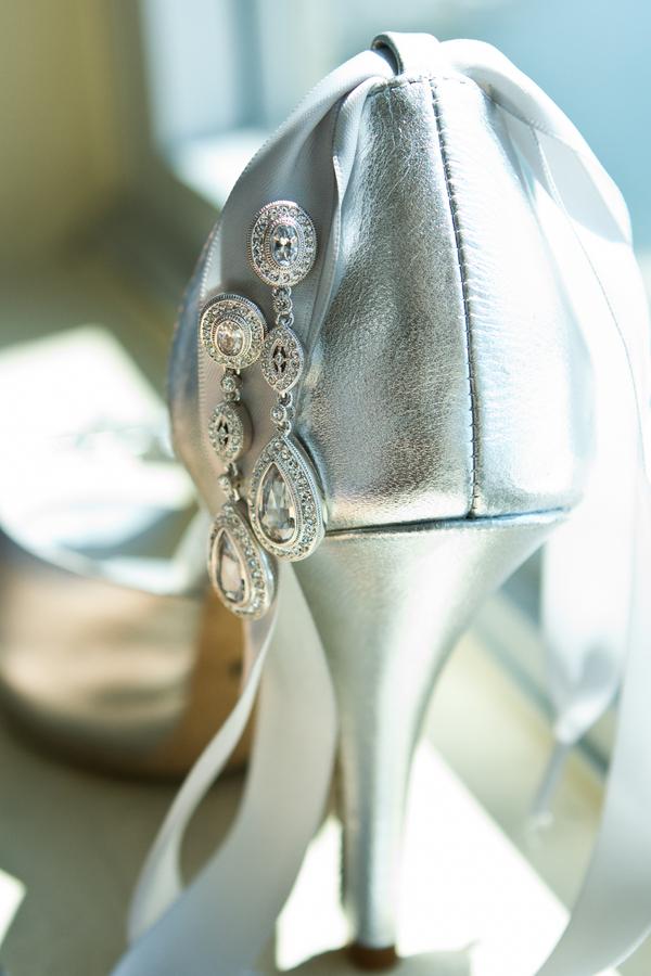 Cobalt Blue and Yellow Florida Aquarium Wedding - Tampa Wedding Photographer Horn Photography and Design (5)