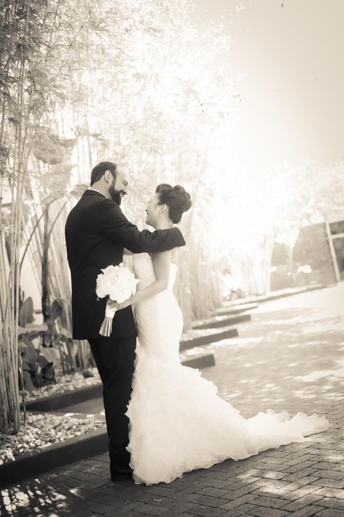 Black, White & Grey Modern St. Petersburg Wedding - NOVA 535 - St. Pete, FL Wedding Photographer Life Long Studios (16)