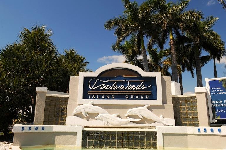 Wedding Venues in St Petersburg, FL - Tradewinds Resort - St. Pete Wedding Photographer Livingston Galleries (2)