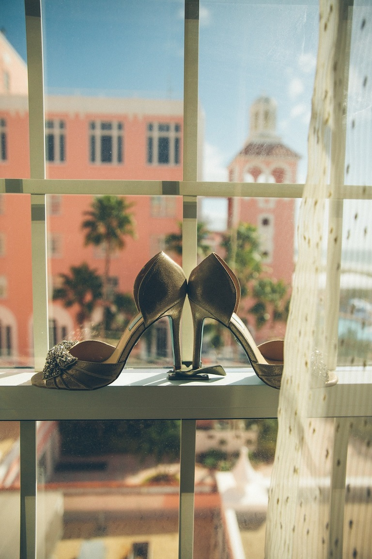 Don CeSar Wedding - Formal, black, white and gold St. Pete Beach Wedding by Parker Young Photography (3)