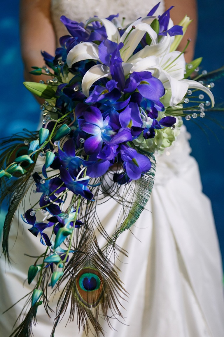 Gasparilla Inspired Peacock Wedding at the Florida Aquarium by Carrie Wildes Photography (5)