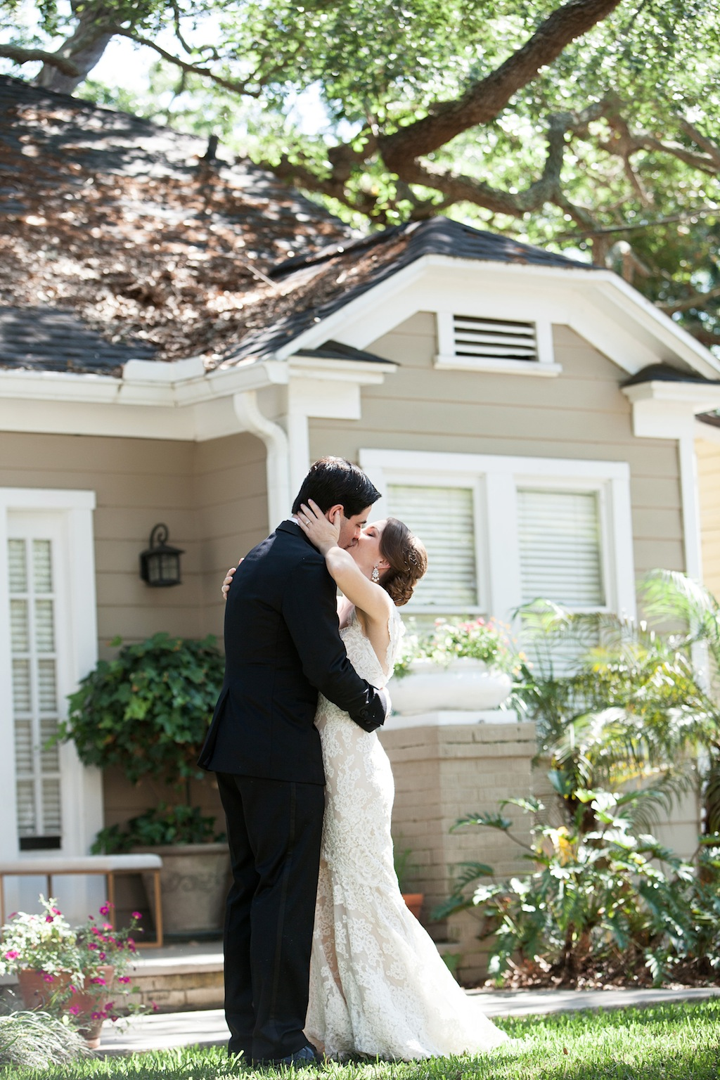 "Cream, White, & Gold ""Old Florida"" Wedding in South Tampa - Tampa Yacht Club Wedding - Tampa Wedding Photographer Blue Lane Studios (23)"