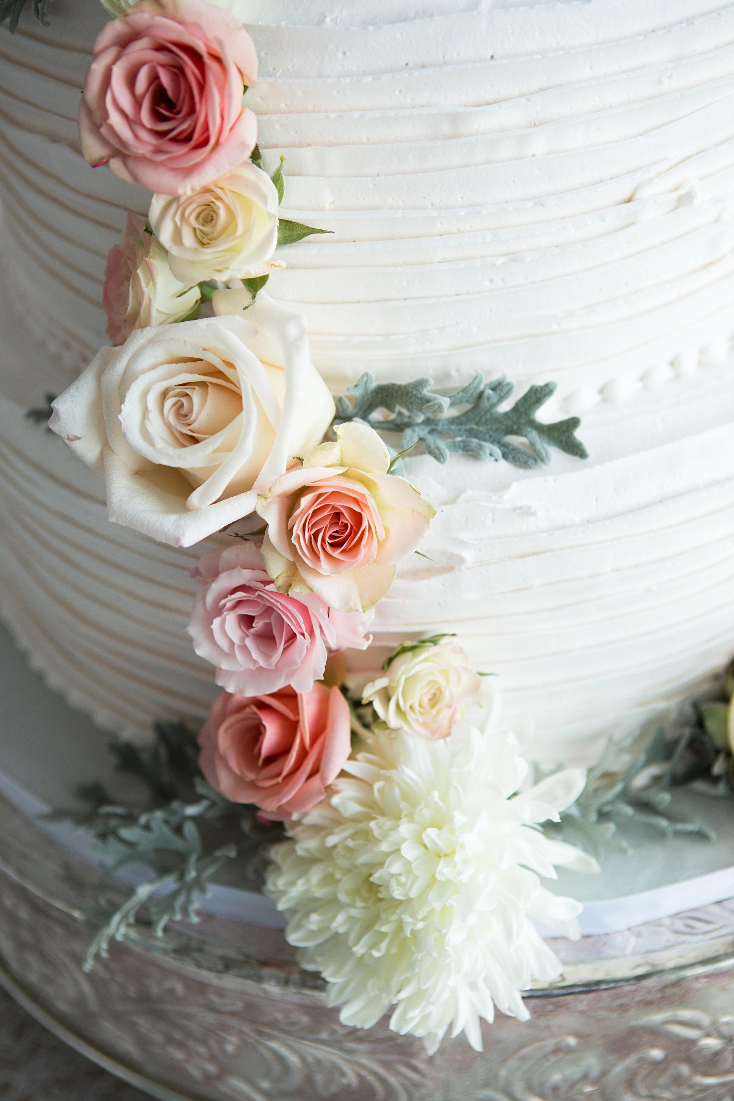 "Cream, White, & Gold ""Old Florida"" Wedding in South Tampa - Tampa Yacht Club Wedding - Tampa Wedding Photographer Blue Lane Studios (61)"