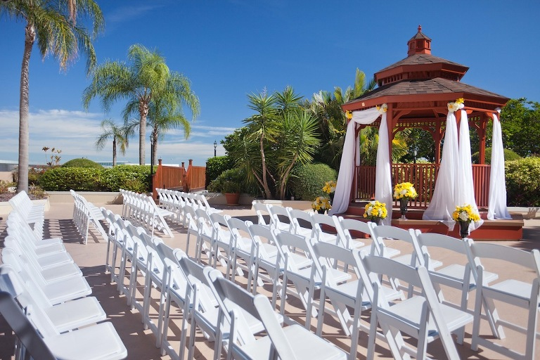 Newly Renovated Tampa Airport Marriott Hotel TPA Outdoor Rooftop Wedding Ceremony