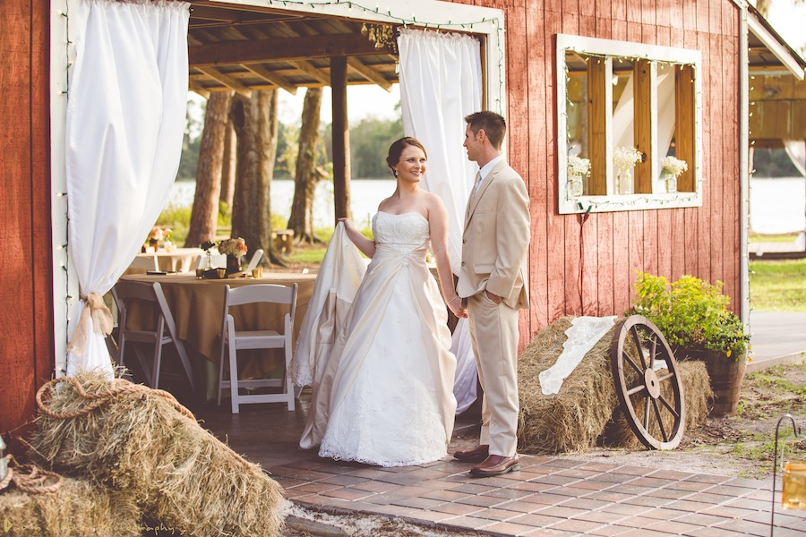 Old Mcmickey S Farm Barn At Crescent Lake Rustic Wedding Venue