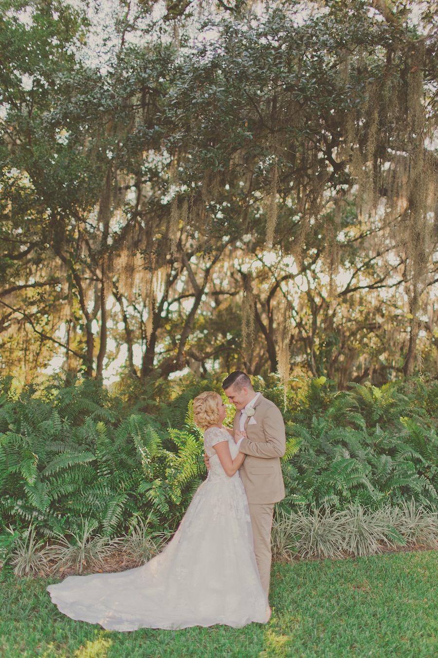 Rustic Bride and Groom Wedding Portrait   Stacy Paul Photography