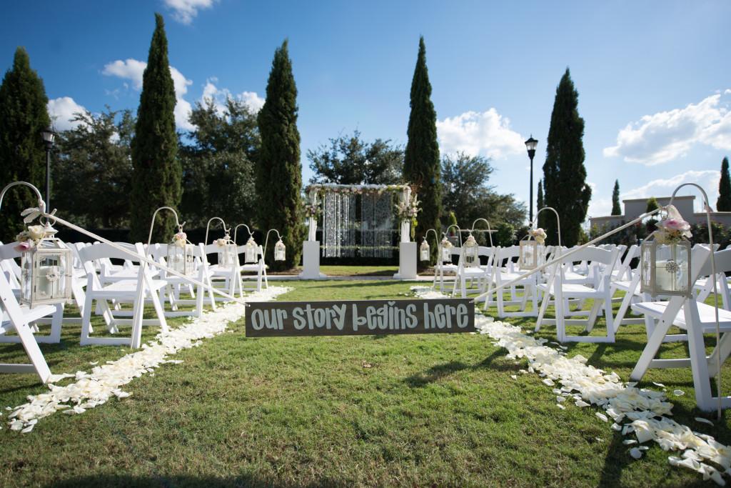 Outdoor Tampa Wedding Ceremony | Palmetto Club Wedding