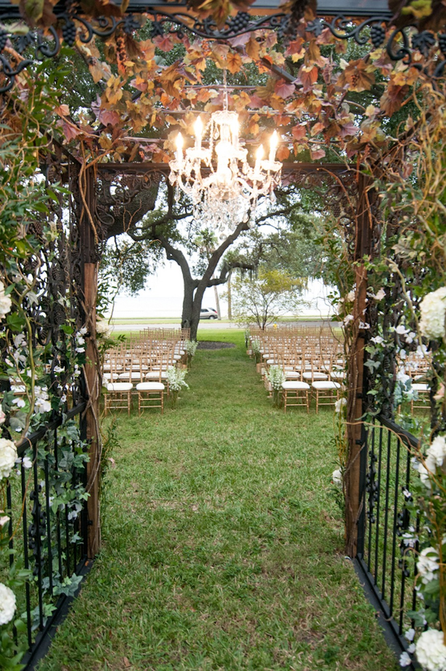Champagne Ivory And Gold Secret Garden Inspired Wedding Tampa Garden Club Marry Me Tampa