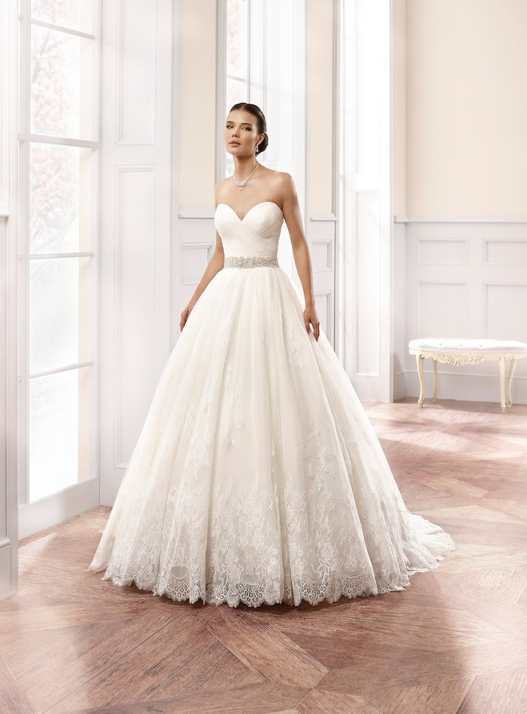 St pete real wedding engagement wedding round up for Wedding dresses tampa bay area