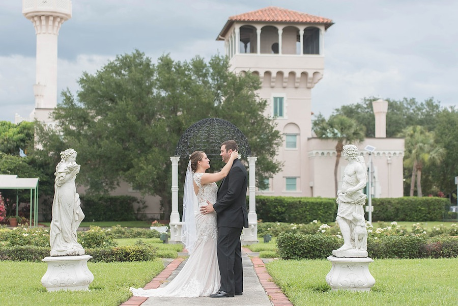 Downtown St. Pete Bride and Groom Wedding Photos | Kristen Marie Photography