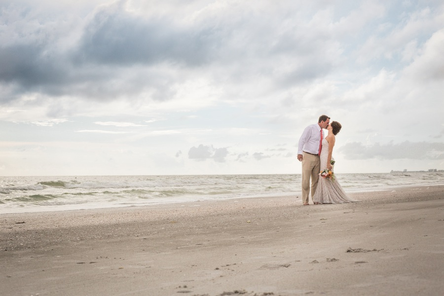 Clearwater Beach Destination Wedding Portrait | Jillian Joseph Photography