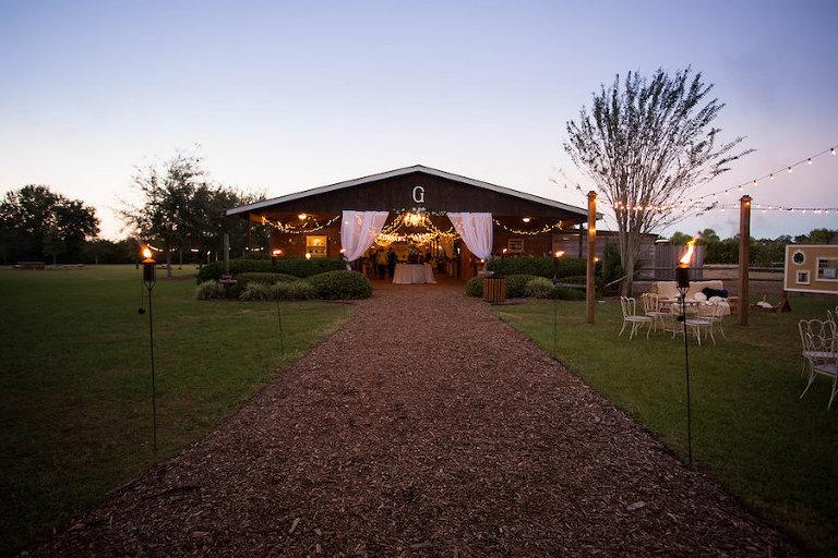 Outdoor Barn Wedding Reception | Rustic Tampa Bay Wedding Venue Cross Creek Ranch