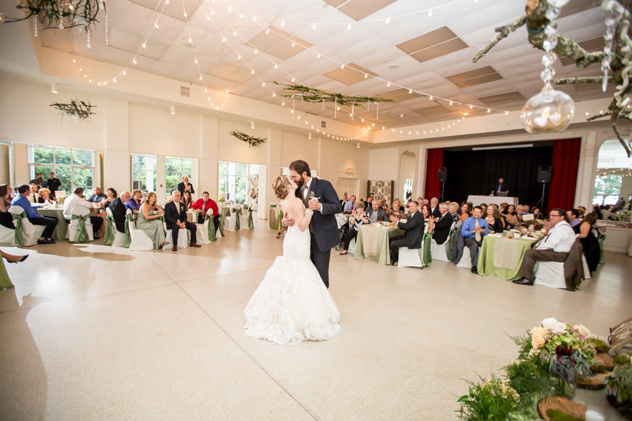 Bride and Groom First Dance | Tampa Garden Club | Tampa Wedding Photographer Rad Red Creative