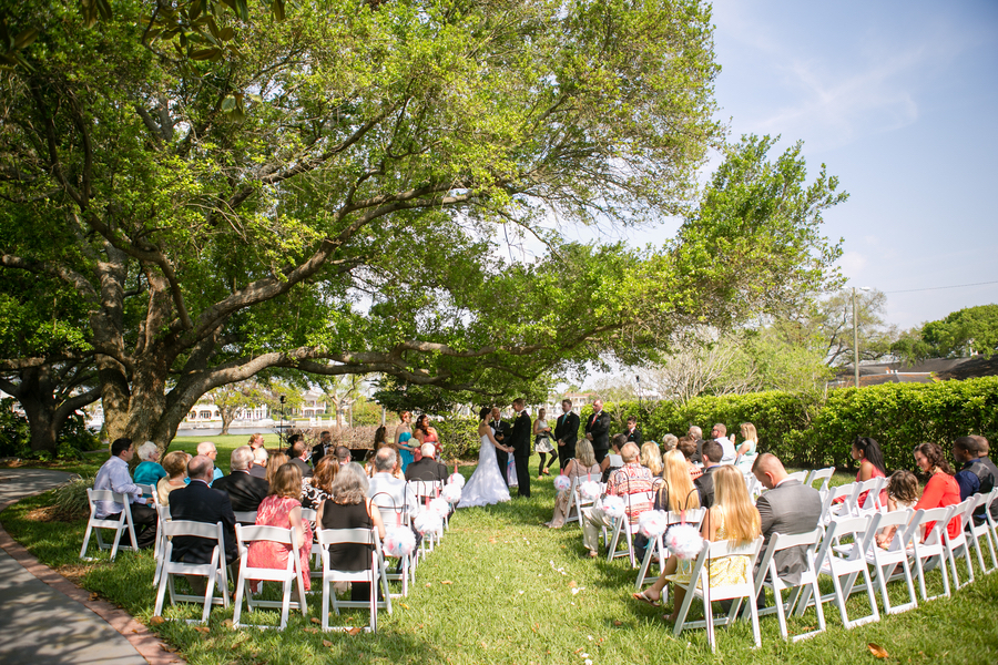 Outdoor Waterfront Tampa Wedding Ceremony under Large Tree | Tampa ...