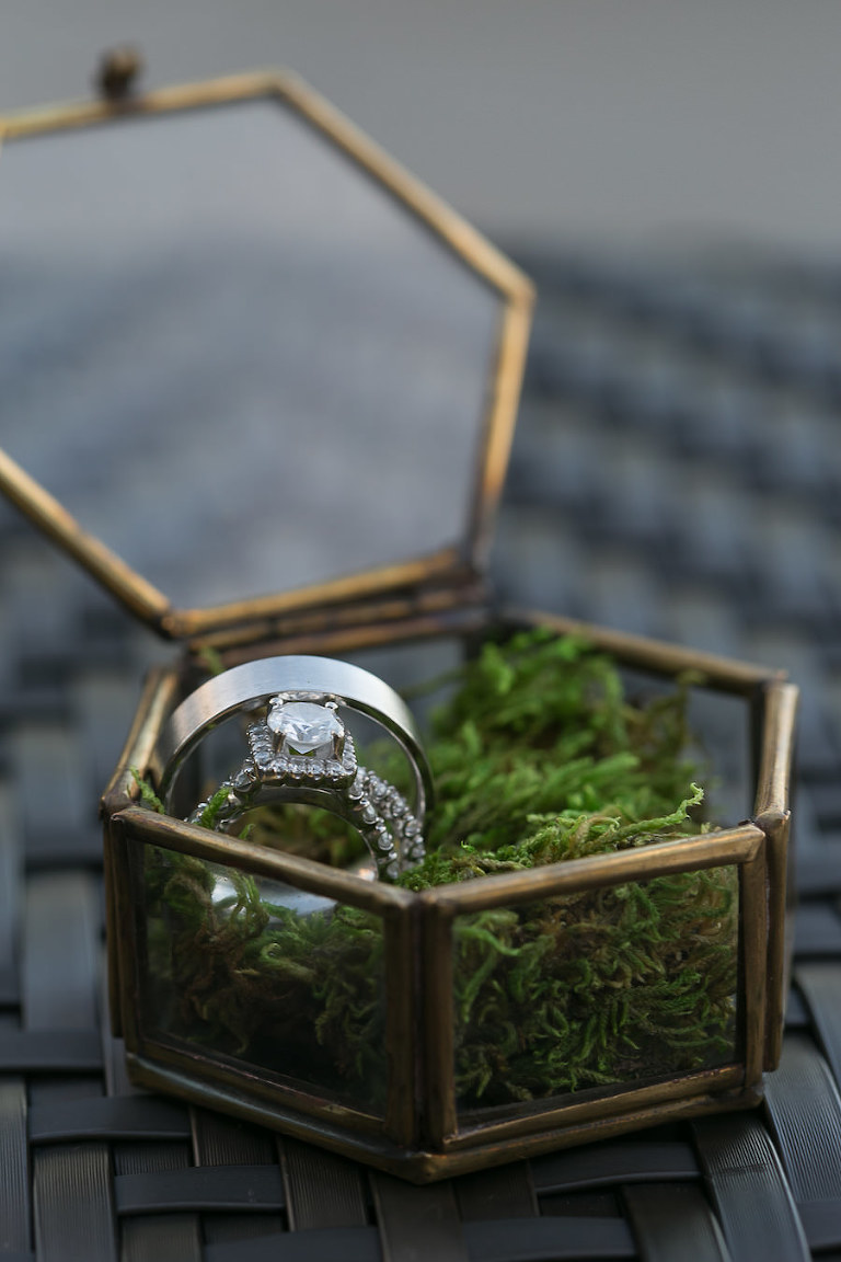 Diamond Wedding Ring Portrait | Unique Wedding Ring Boxes | Antique Wedding RIng Box with Moss| Saint Petersburg Wedding Photographer Roohi Photography