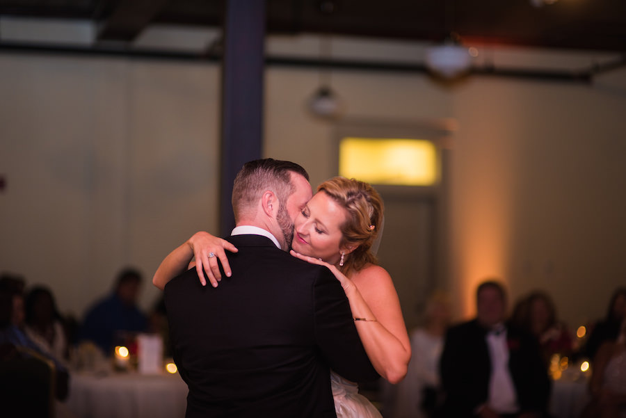Bride and Groom First Dance on Wedding Day | Tampa Wedding Photographer Kera Photography