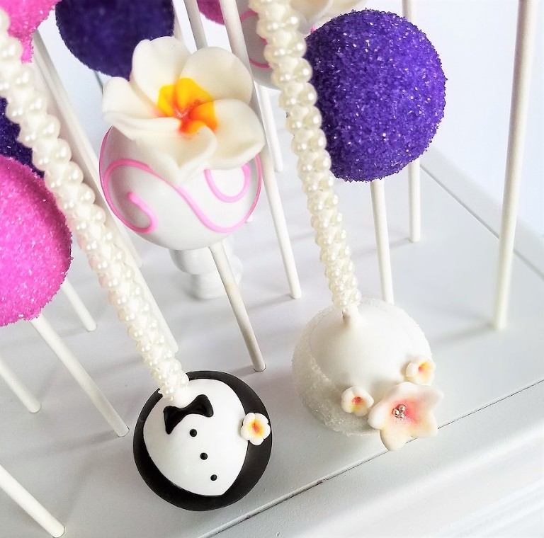 Sweetly Dipped Tampa Bay Wedding Cake Pops and Dessert Favors
