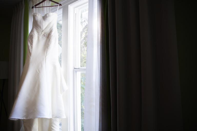 White David's Bridal Sweetheart Strapless Wedding Dress