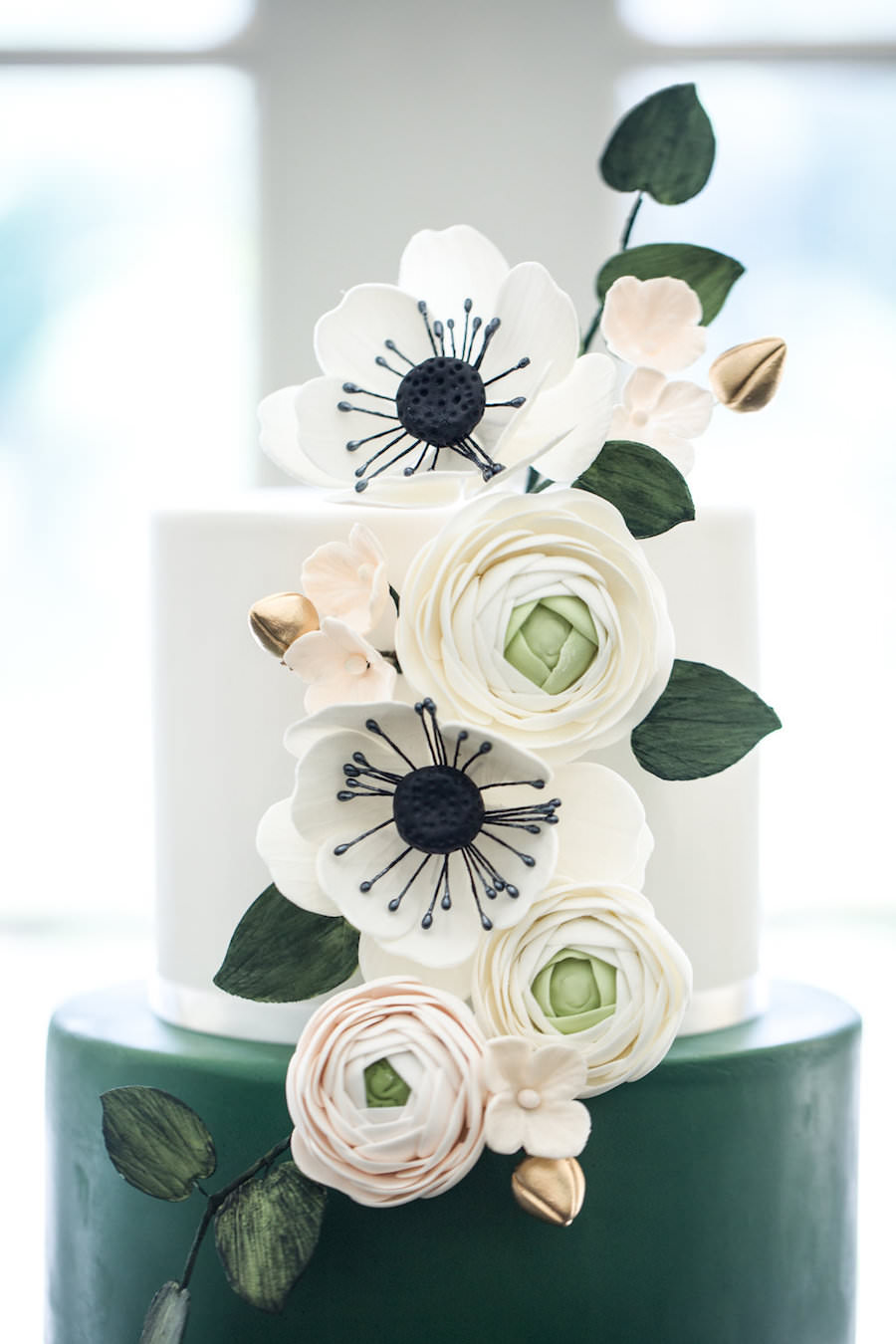 Green black and white modern geometric wedding cake with sugar green black and white modern geometric wedding cake with sugar flowers mightylinksfo