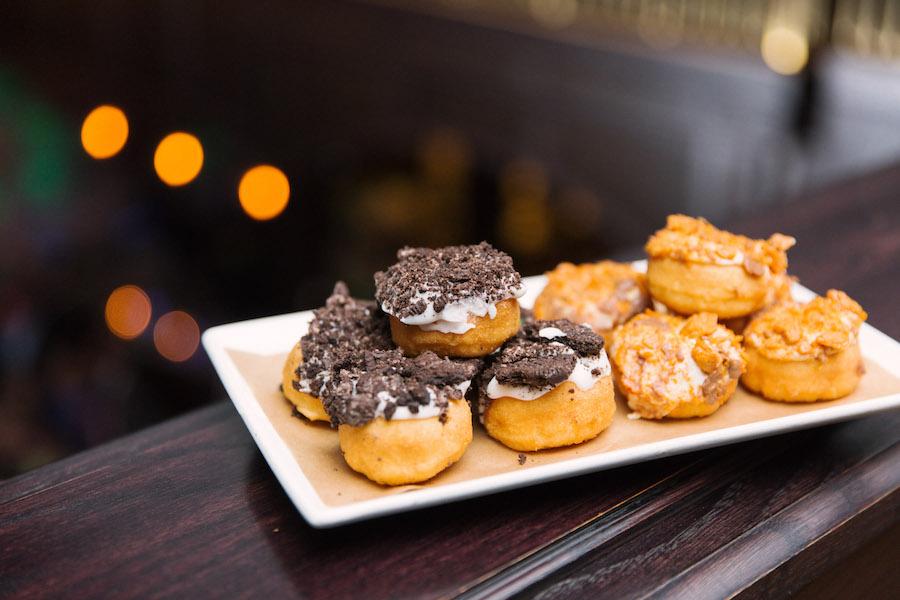 Wedding Reception Mini Donuts   Wedding Cake Alternatives