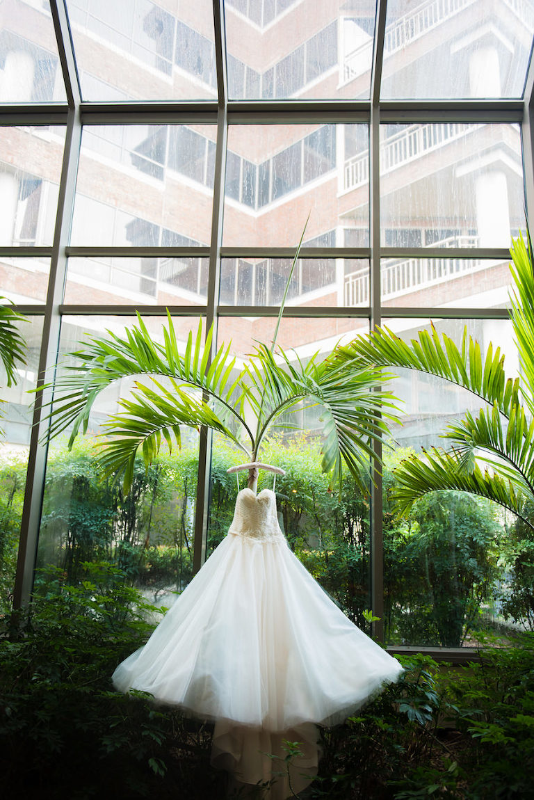 Strapless, Sweetheart, Ivory Chiffon and Tulle Ballgown Wedding Dress | South Tampa Wedding Photographer Kera Photography