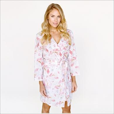 Bridesmaid Getting Ready Outfit Trends | Plum Pretty Sugar Knee Length Kimono Robe