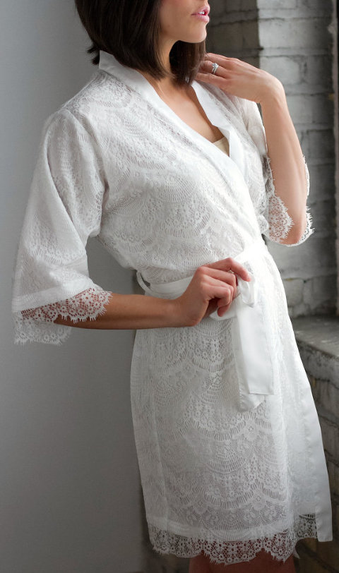 Bridesmaid Getting Ready Trends | Lace Robe