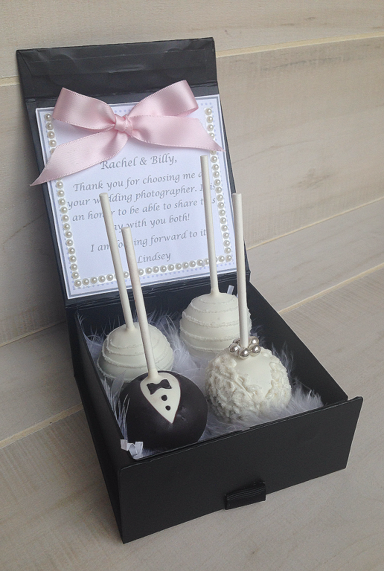 Black and White Bride and Groom Wedding Favor Cake Pops | Tampa Bay Gourmet Cake Pops and Custom Creative Desserts | Pop Goes The Party