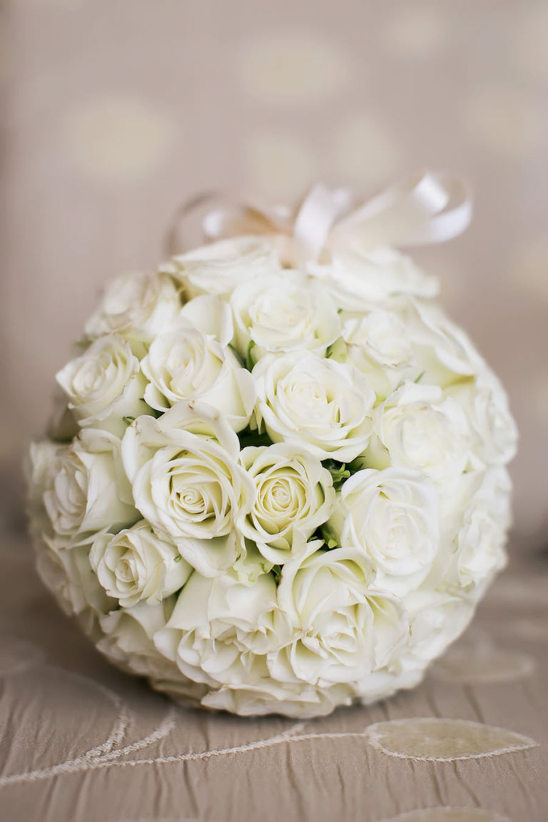 Traditional Elegant Ivory Rose Bridal Wedding Bouquet with Satin Bouquet Wrap