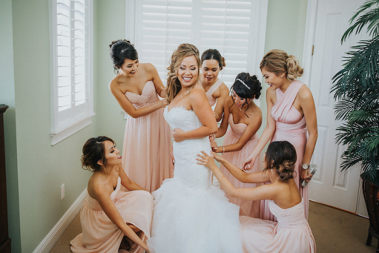 Bride Getting Ready on Wedding with Bridesmaids in Pink Blush Dresses | Tampa Bay Wedding Photographer Rad Red Creative